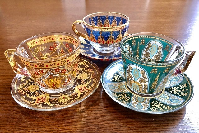 3月のレビュープレゼントは「お気に入りのトルコ食器セット」