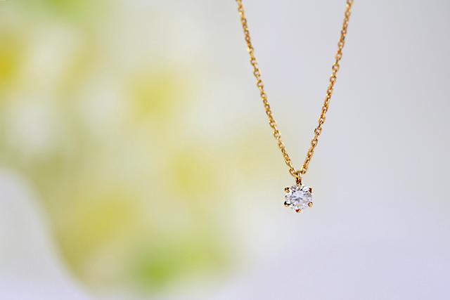 婚約指輪代わりのネックレス