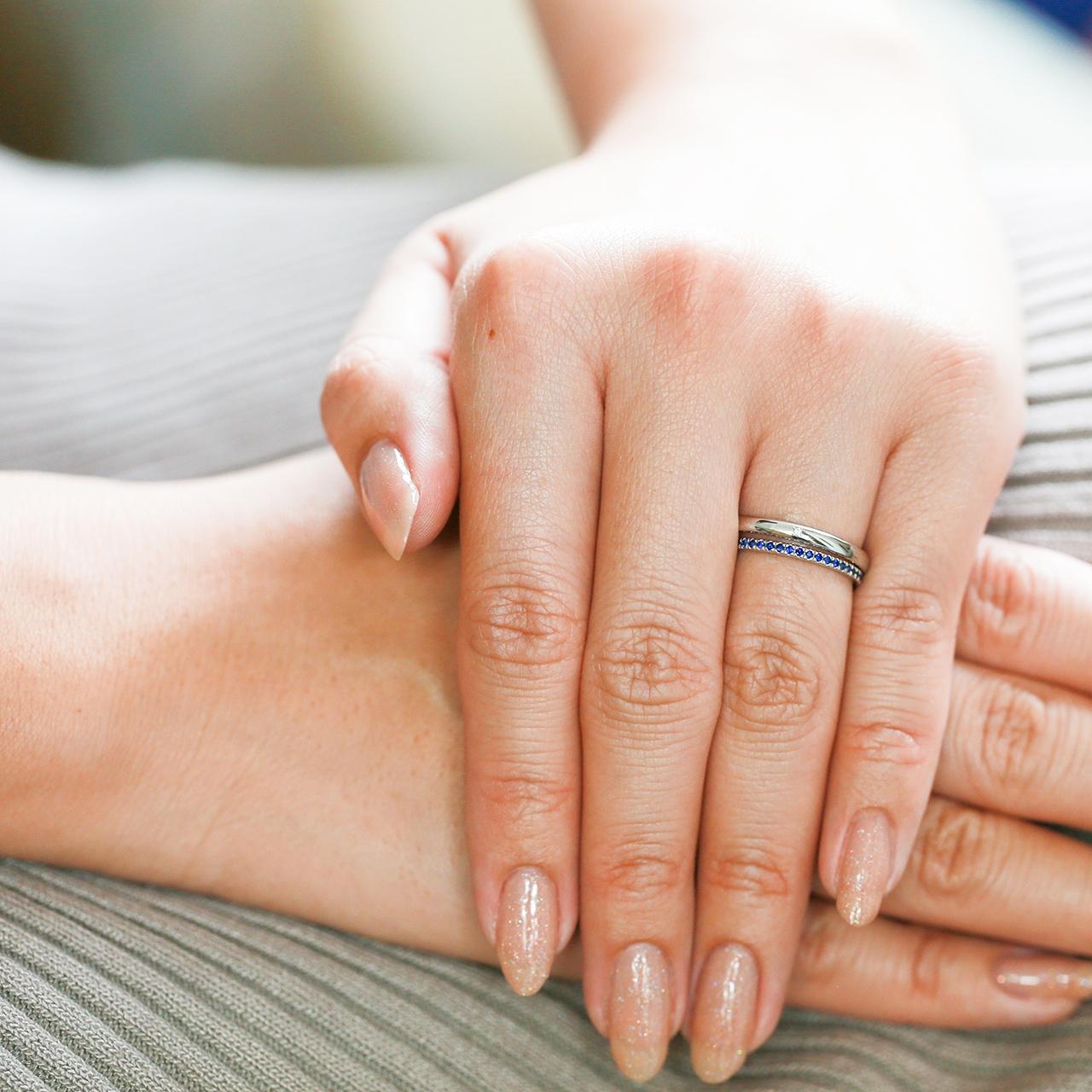 結婚指輪に重ねるエタニティリング