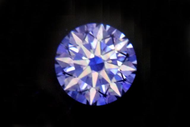 恋が叶うお守り?ロマンティックなハート&キューピッドダイヤモンド